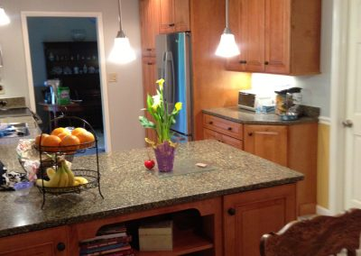 Kitchen peninsula with extra storage space