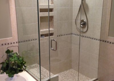 Luxury shower with seat